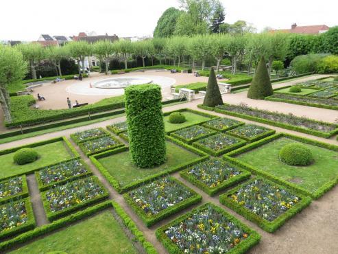 Le Jardin Wilson A Montlucon Le Guide Des Hotels Restaurants De L